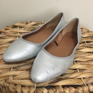 H&M Silver Shimmer Pointed-Toe Ballet Flats! 💥
